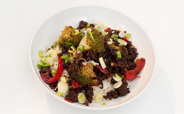 Koreaanse gehaktschotel met broccoli